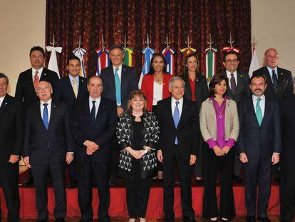 Os chanceleres do Mercosul e da Aliança do Pacífico durante a reunião em Buenos Aires.
