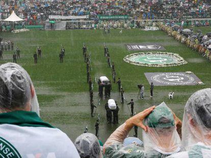 Acidente da Chapecoense: o velório na Arena Condá