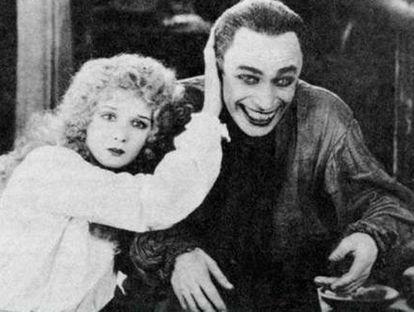 Cena do filme 'O homem que ri' (1928), cujo personagem inspirou o estilo do Coringa.