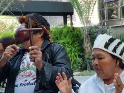 Guaranis Kaiowas fizeram uma reza antes da sentença que condenou quatro deles, mas absolveu o cacique
