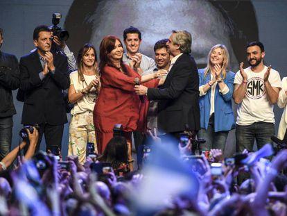 Alberto Fernandez e Cristina Kirchner celebram a vitória nas eleições argentinas.