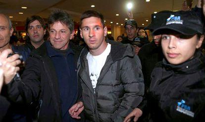 Messi, em sua chegada a Buenos Aires.