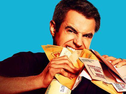 Imagem promocional de Michael Torpey, o apresentador do concurso 'Paid Off'. Em vídeo, tráiler do programa.