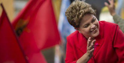 Índice de desemprego e projetos sociais amparam Dilma.