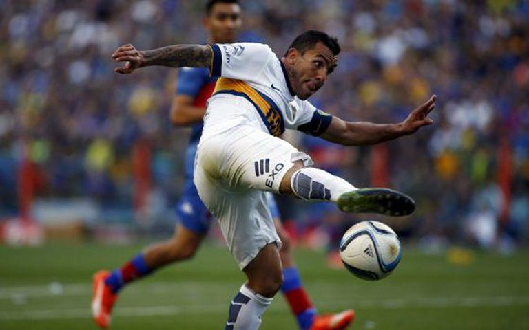 Carlos Tévez, na partida contra o Tigre.