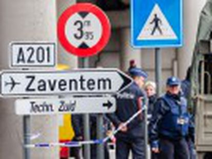 Ministério Público investiga se o detido, Mohamed Abrini, é o homem de chapéu que participou dos ataques ao aeroporto de Zaventem