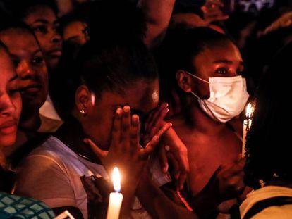 """Jacarezinho protesta contra chacina: """"Parem de nos matar"""""""