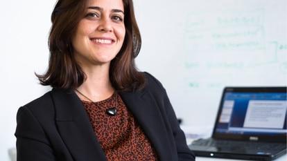 A cientista política e pesquisadora Carolina Botelho.