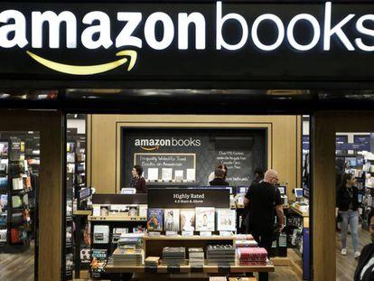Primeira livraria física da Amazon, inaugurada no ano passado em Nova York.