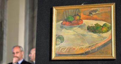 'Fruits sul une table ou nature au petit chien', o quadro Gauguin recuperado pela polícia italiana.