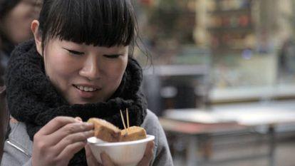 Yang (35, Xangai). É uma advogada de sucesso que vive em Xangai e tem seu próprio escritório, onde é a única mulher. Sempre priorizou o trabalho e se nega a reduzir suas elevadas expectativas profissionais para encontrar um par.