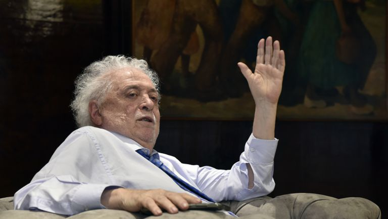 O ministro da Saúde da Argentina, Ginés González García, em seu gabinete em Buenos Aires, durante a entrevista ao EL PAÍS.