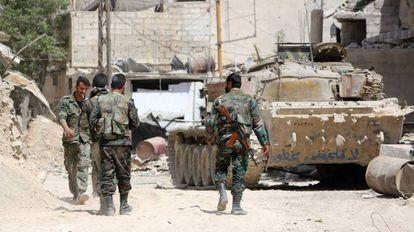 Exército sírio na região do suposto ataque químico em Duma