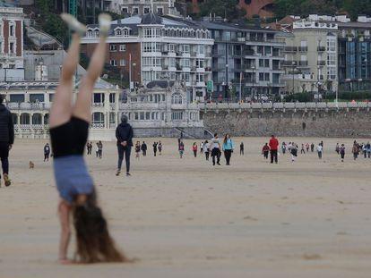 Praia da Concha, em San Sebastián, na manhã deste sábado.