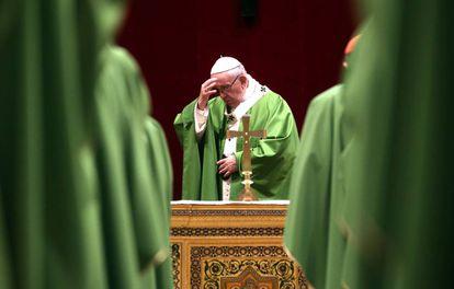 O papa Francisco durante a missa celebrada esta manhã no Vaticano