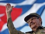 FILE PHOTO: Cuba's President Raul Castro waves to the crowd during the May Day parade at Havana's Revolution Square May 1, 2008.  REUTERS/Sven Creutzmann/Pool/File Photo