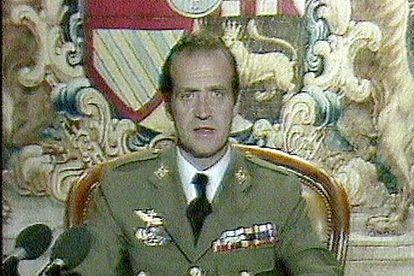 O então Rei, ao se dirigir aos espanhóis pela TVE em 1981, quando houve a tentativa de golpe de estado.