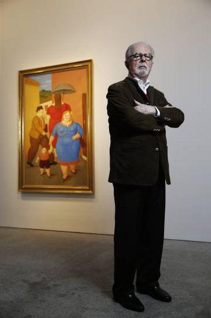 Fernando Botero com sua obra 'The Street' na galeria Marlborough, em Madri.