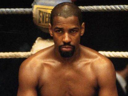 Denzel Washington interpretando o boxeador 'Hurricane' Carter, no filme que leva o mesmo nome (1999).
