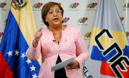 Tibisay Lucena, presidenta do Conselho Nacional Eleitoral.