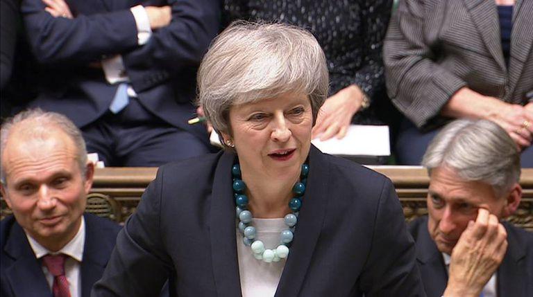 Theresa May discursa na Câmara dos Comuns nesta segunda-feira, 10