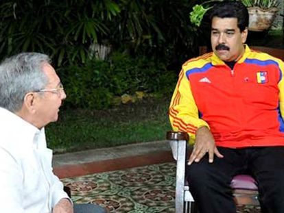 Raúl Castro e Maduro em uma fotografia divulgada pelo Governo de Cuba