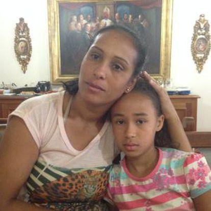 Lucinelia de Fátima Eusebio e a filha Ana Luíza.