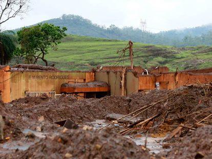 Distrito de Bento Rodrigues foi devastado após rompimento da barragem de Fundão.