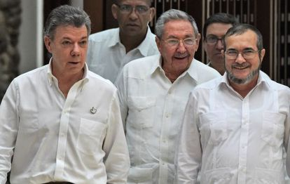 Juan Manuel Santos, Raúl Castro e Timoleón Jiménez, 'Timochenko'