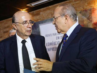 Meirelles e Padilha em encontro com parlamentares e empresários.