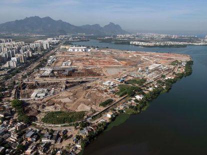 Vista aérea do espaço que albergará o Parque Olímpico de Río 2016.