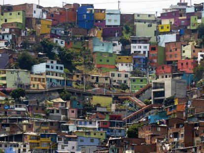 Comuna 13, uma das áreas mais pobres de Medellín, Colômbia.
