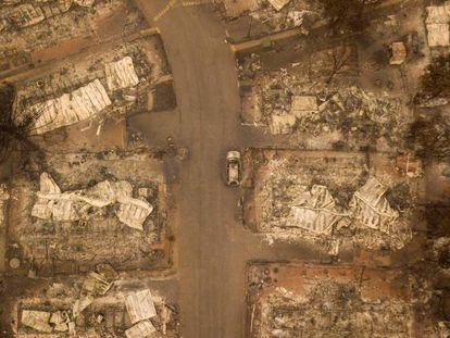 Vista aérea de Paradise depois do incêndio florestal.