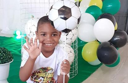 O menino Miguel em foto tirada durante a celebração de seu aniversário.