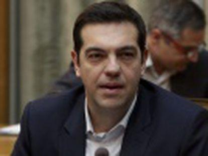 """No primeiro discurso para sua equipe de Governo, transmitido pela TV, Alexis Tsipras promete que não haverá """"nenhum grego sem ajuda nem sem comida"""""""