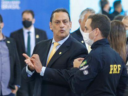 O advogado Frederick Wassef participa de cerimônia no Palácio do Planalto no dia 17 de junho, um dia antes da prisão de Queiroz em sua casa em Atibaia.