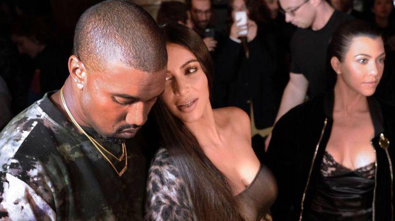 Kanye West com a esposa Kim Kardashian em 29 de setembro.