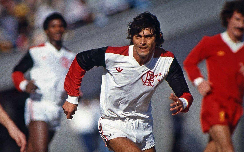 Lico em ação no jogo contra o Liverpool, em 1981.