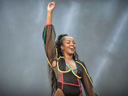 Apostando em letras empoderadoras e clipes protagonizados por bailarinos e atores negros, cantora carrega discurso por igualdade racial à música pop
