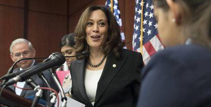 A senadora democrata de Califórnia Kamala Harris, em um ato em defesa dos imigrantes nos EUA.