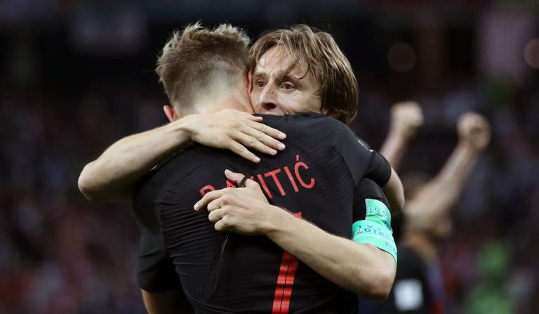 Dupla Rakitic e Modric comandou a seleção croata no 3 a 0 sobre time de Messi.
