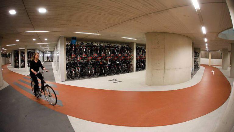 Estacionamento de bicicletas em Utrecht.