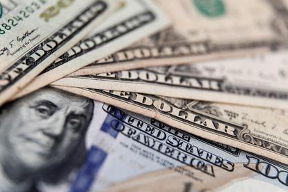 Dólar bate recorde intradiário após saída de Sergio Moro do Governo.