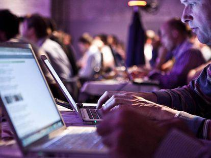 Mais da metade da população mundial usa a internet.