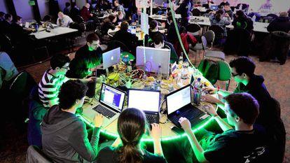 Entenda como foram os ataques de 'hackers' aos sites do Twitter, Spotify ou Ebay