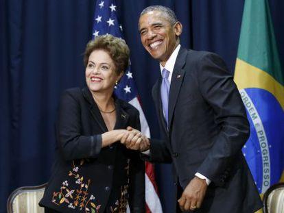 Obama e Dilma se cumprimentam antes de reunião.