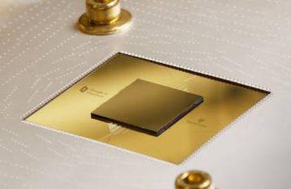 Um chip Sycamore montado em uma placa de circuito.