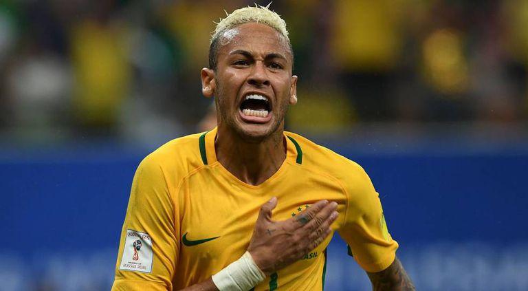 Neymar comemora seu gol contra a Colômbia.