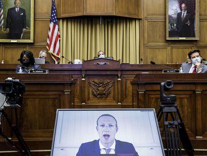 Mark Zuckerberg, durante um depoimento por videoconferência numa audiência antimonopólio do Congresso dos EUA, em julho.