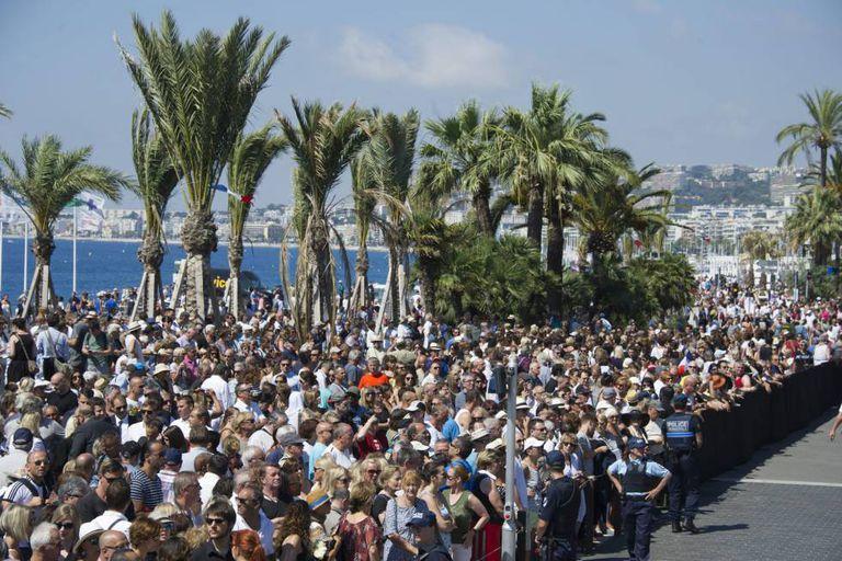 Minuto de silêncio em Nice (França) pelas vítimas do atentado de 14 de julho.